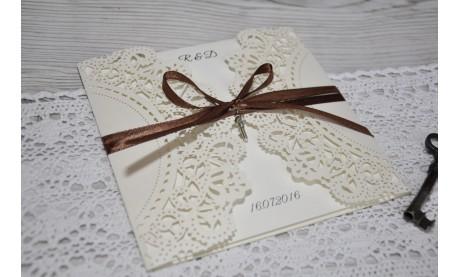 """Einladung Hochzeit """"Elegante Spitze mit braunem Schleifchen"""""""