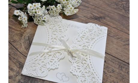 """Einladungskarte Hochzeit """"Lasercut trifft Elegance"""""""