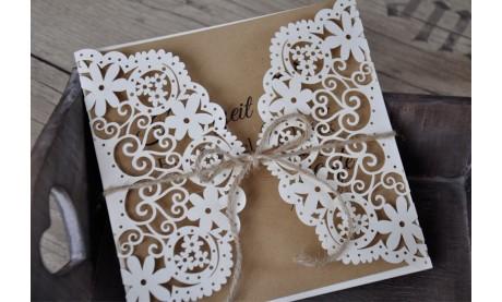 Hochzeitseinladungen Vintage mit edlem Lasercut Spitze und Kraftpapier