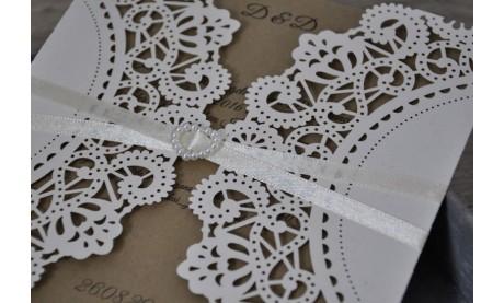 Moderne Vintage Hochzeitseinladung Laserschnitt Spitze mit Kraftpapier