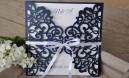 Einladungskarte Hochzeit Vintage Lasercut Spitze dunkelblau blau navy blue