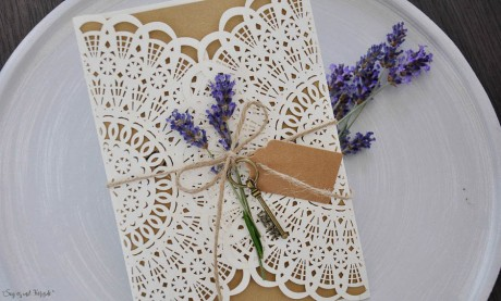 Hochzeitseinladungen Vintage Spitze Kraftpapier Lasercut diy