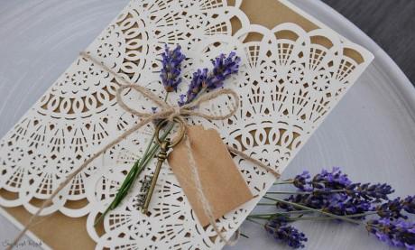 Hochzeitseinladungen Vintage Spitze Kraftpapier Lasercut diy