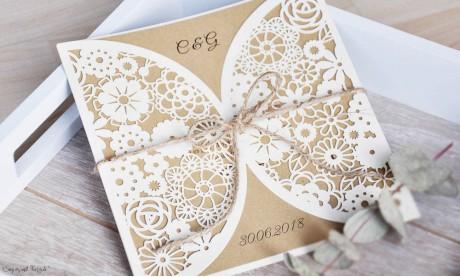 Einladungskarten Hochzeit Blumen Spitze floral Lasercut Kraftpapier