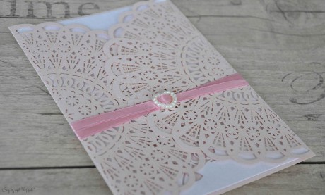 Hochzeitseinladung rosa Spitze Lasercut Vintage diy