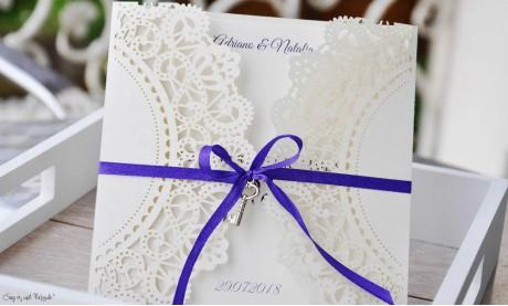 Einladungskarten Hochzeit Spitze Vintage Lasercut lila