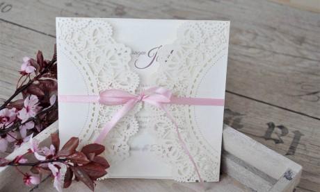 Einladungskarten Hochzeit Spitze Vintage Lasercut rosa