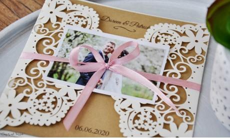 Einladung Hochzeit Vintage Lasercut Spitze Kraftpapier diy Blumen