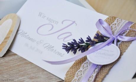 Einladungskarten Hochzeit Vintage Jutesack Spitze mit Lavendel