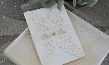 Lasercut Hochzeitskarten gestalten lassen, edle Vintage Spitze
