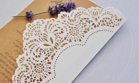 Lasercut Hochzeitskarten gestalten lassen, edle Vintage Spitze Kraftpapier