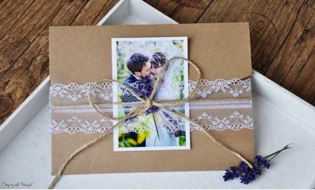 Hochzeitseinladungen Pocketfold Kraftpapier Spitze Einladungskarten mit Foto Hochzeit Vintage diy