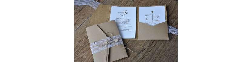 Pocketfold Hochzeitseinladungen diy Kraftpapier Spitze weiß Einladungskarten Hochzeit