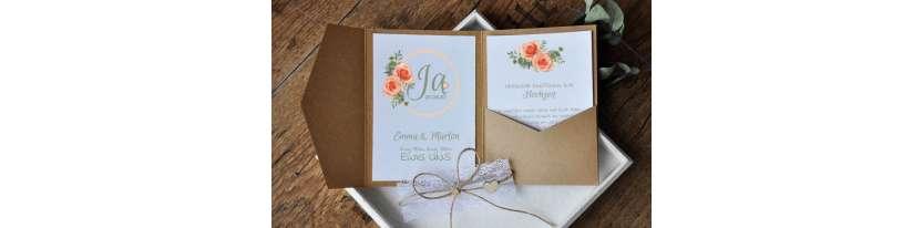 Pocketfold Hochzeitseinladungen diy Kraftpapier weiße Spitze Einladungskarten Hochzeit apricot aquarell Rosen Blumen